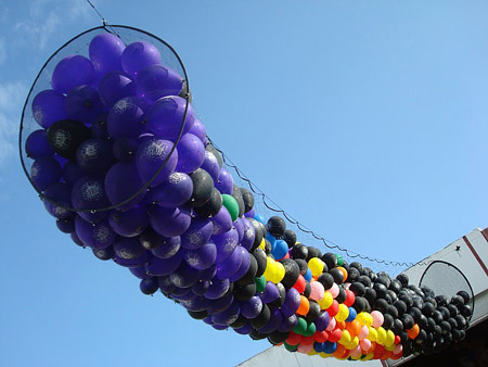 A net designed for outdoor balloon drops.